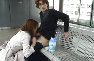 男は女の子のお尻と彼のコックで指を突き刺す 女性 向き の エロ 動画
