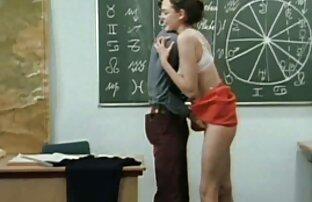 入れ墨を持つ男は、ボルトを引き出し、お尻を行かせる h 無料 動画 女性 向け